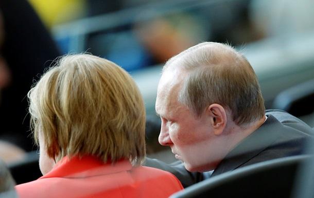 Путин посмотрел финал чемпионата мира по футболу с Меркель
