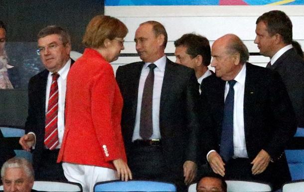 Путин поздравил Меркель с победой Германии на чемпионате мира