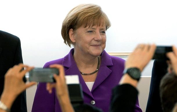 Обзор иноСМИ: юбилей Меркель, ловушка для Израиля и запрет Калашникова