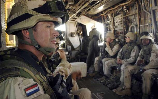 Нидерландские военные требуют отправить их в зону АТО в Украине