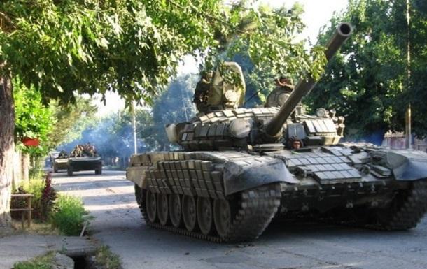 Возле украинско-российской границы зафиксировано движение 30 танков
