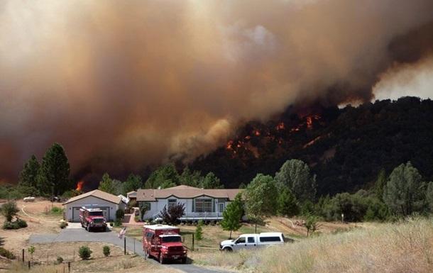 Калифорнию охватили лесные пожары