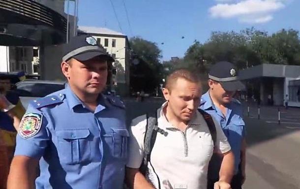 Харьковская милиция задержала мужчину с георгиевской ленточкой