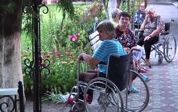 В Луганске под обстрел попал дом престарелых: есть жертвы