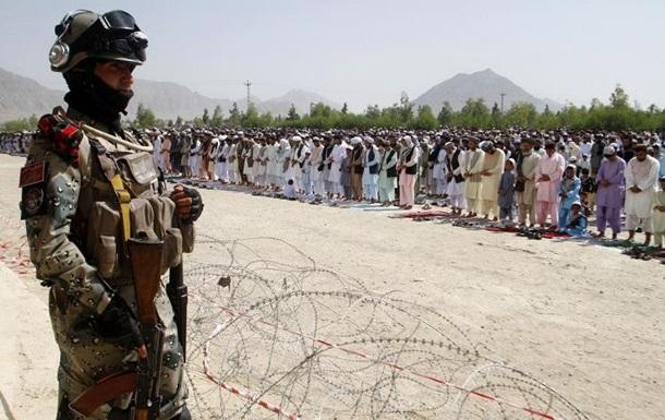 При нападении смертника погиб брат президента Афганистана - СМИ