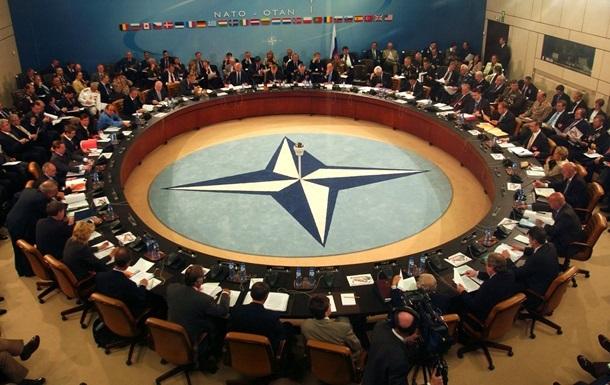 Молдова впервые приглашена на саммит НАТО
