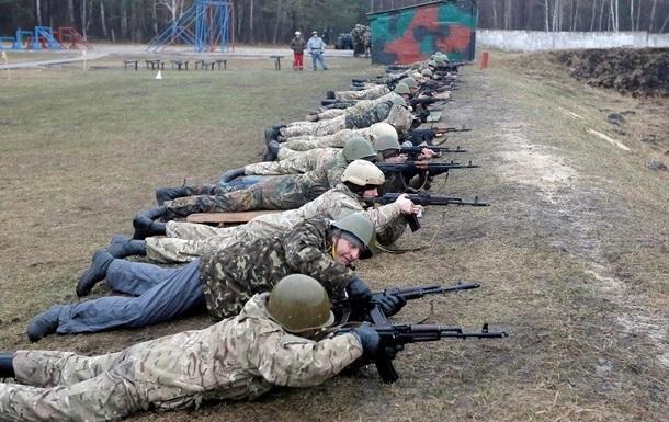 Львовские власти хотят поставить на военный учет мужчин-переселенцев