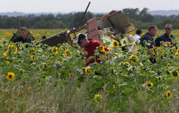 На месте крушения Боинга в Украине обнаружили новые останки жертв