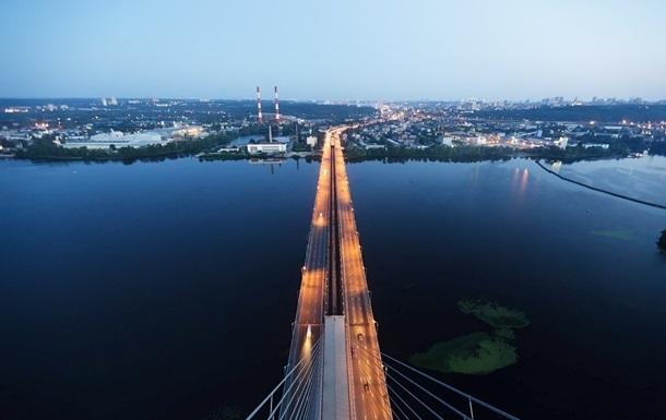 На Южном мосту в Киеве на четыре дня ограничат движение