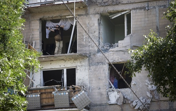 В центре Донецка слышны автоматные очереди - горсовет