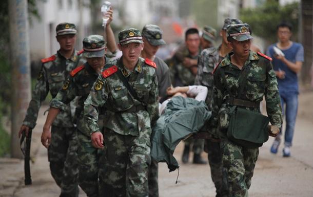 Из-за землетрясения в Китае образовалось озеро, угрожающее жизни людей