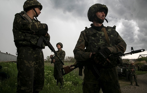 Сепаратисты обстреляли колонну возвращавшихся из России украинских военных - СНБО