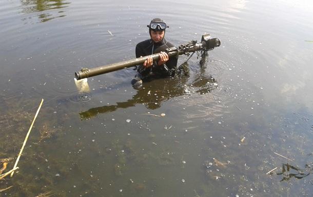 Пиротехники нашли в водоеме Славянска ПЗРК Игла