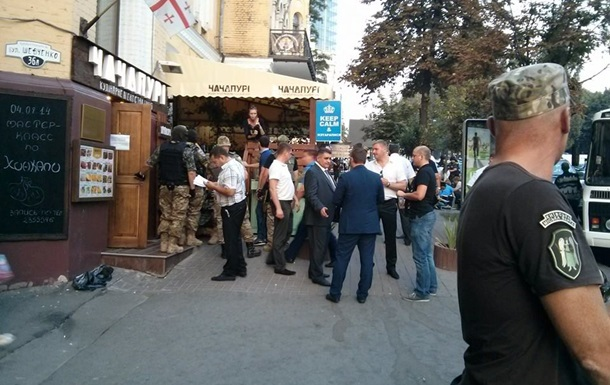 Захватчики ресторана в Киеве требовали заплатить им  аренду  за полгода – прокуратура