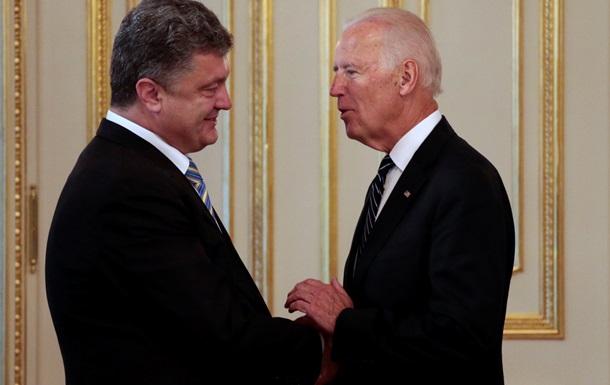 Порошенко поблагодарил вице-президента США за поддержку Украины
