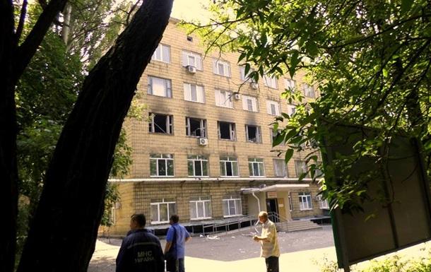 В Донецке снаряд попал в больницу, погиб человек