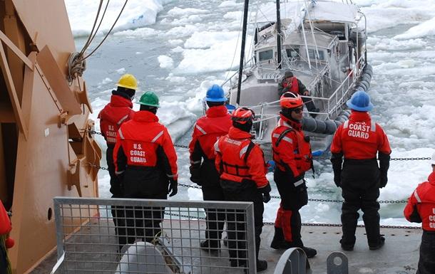 Канада отправила два ледокола в Арктику для обоснования претензий на новую территорию