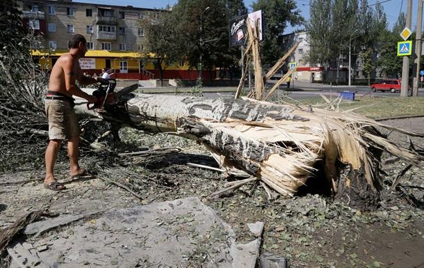 Новые разрушения в Донецке: фоторепортаж