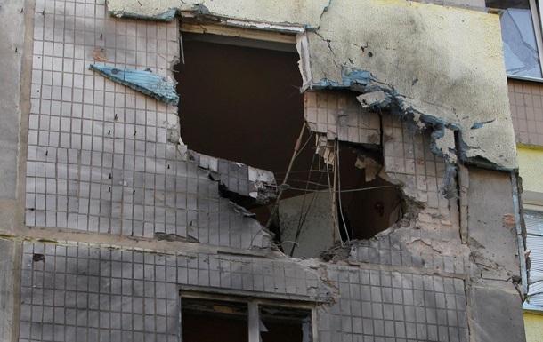 В результате обстрела в Донецке разрушены два жилых дома