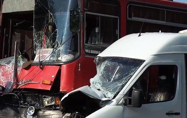 В Ивано-Франковской области столкнулись автобусы, пострадали шесть человек