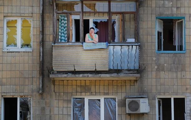В Донецке ночью были слышны взрывы, снаряды попали в несколько зданий