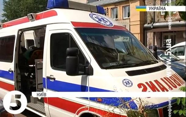 Волонтеры подарили силовикам АТО реанимобиль