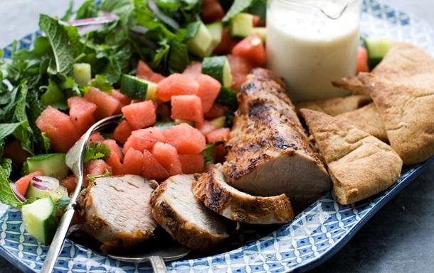 Суп, салат, сорбет. Пять необычных блюд с арбузом
