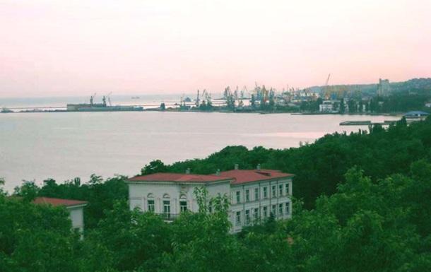 В результате боевых действий обесточен Мариупольский порт