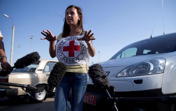 В каждой машине гуманитарного конвоя будет сотрудник Красного Креста