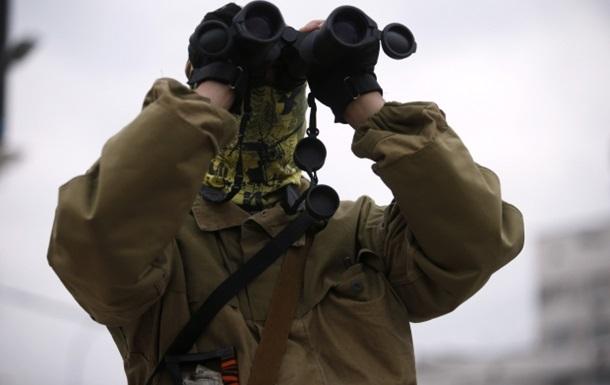 Колонна бронетехники сепаратистов прошла в сторону пункта Изварино - журналист
