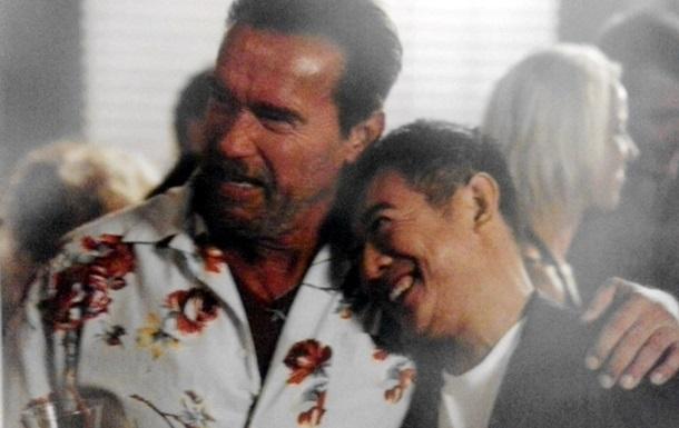 В  Неудержимых 3  Арнольд Шварценеггер и Джет Ли играют геев - режиссер