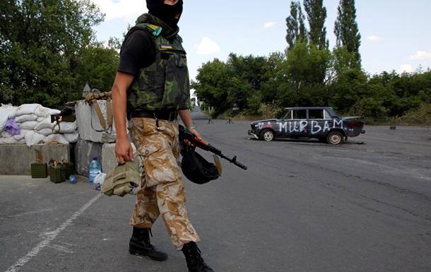 В районе Новоазовска были обстреляны два блокпоста силовиков