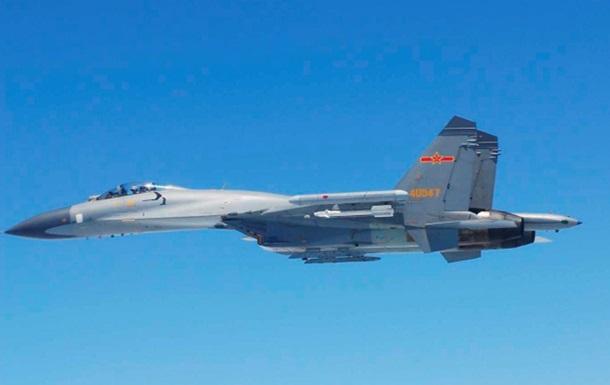Китайский истребитель пытался перехватить патрульный самолет США