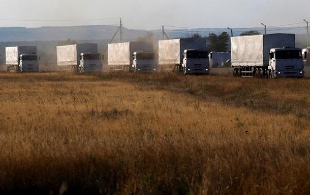 В грузовиках российского гумконвоя вывозят заводское оборудование, заявляют в СНБО