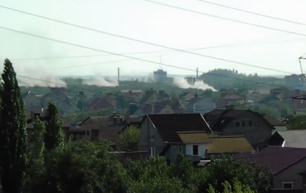 В Донецке слышны взрывы и стрельба