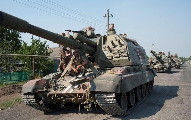 Возле Новоазовска идет бой