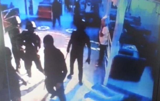 Неизвестные с оружием напали на ночной клуб в Одессе