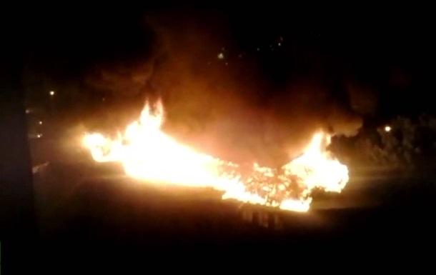 В Донецке в результате обстрела загорелась школа