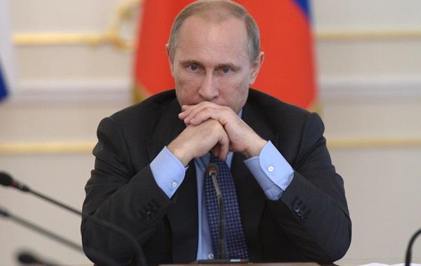 В России рейтинг Путина пошел вниз после запрета импортных продуктов