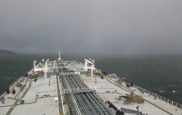 В США с радаров исчез танкер с нефтью
