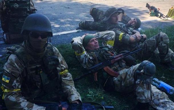 Сепаратисты пытаются убедить заблокированных силовиков сдаться – комбат  Донбасса