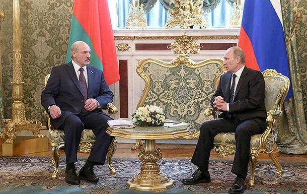 Путин поздравил Лукашенко с 60-летием орденом Александра Невского