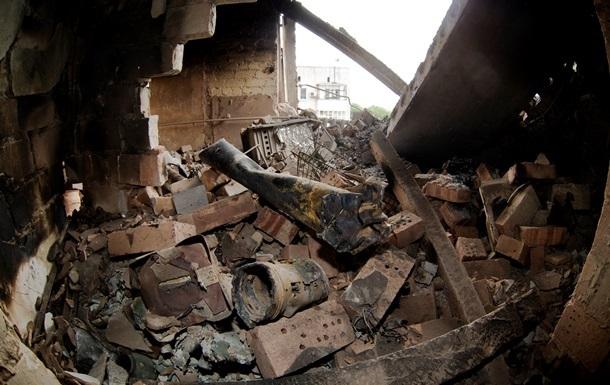 Луганск ночью подвергся обстрелу, в городе по-прежнему нет света и воды