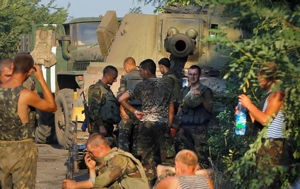 Итоги 31 августа: Украина и РФ обменялись военными, еще часть бойцов вышла из окружения под Иловайском