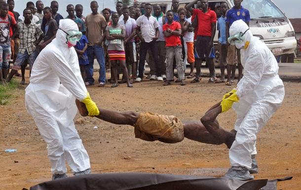 Жителям Сьерра-Леоне запретили выходить из дома из-за вспышки вируса Эбола