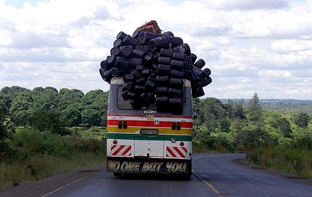 В Танзании столкнулись два автобуса: 36 человек погибли