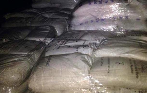 В Киев пытались ввезти 20 тонн неизвестного химвещества