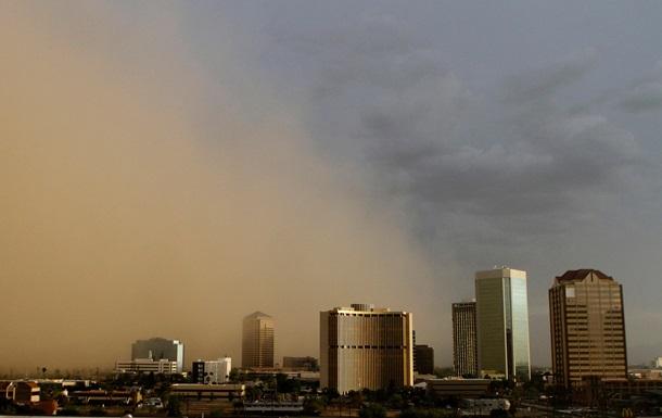 Пыльная буря накрыла город в Аризоне