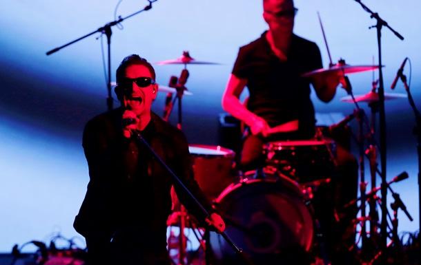 На представлении нового iPhone рок-группа U2 презентовала новый альбом