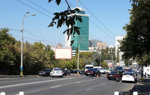 Из-за протестующих в Киеве перекрыли три улицы